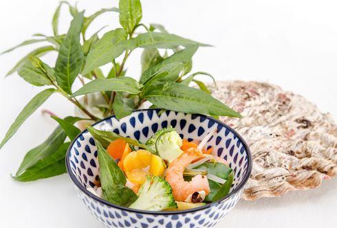 Gemüsesuppe mit Garnelen