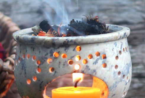 Zauber des Räucherns – Reinheit als Geschenk für Körper und Geist