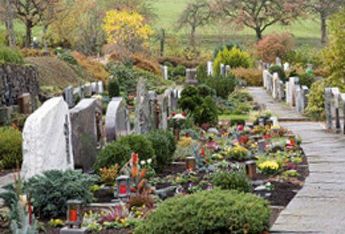 Tipps zur Grabgestaltung – von A wie Allerheiligen bis Z wie Zwiebelblumen