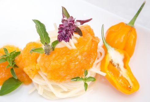 Fruchtig-scharfes Chili-Paradeiser-Sugo