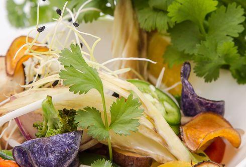 Asiatische Gemüsepfanne mit Koriander